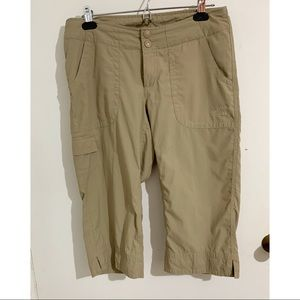 The North face hiking cargo beige capris pants